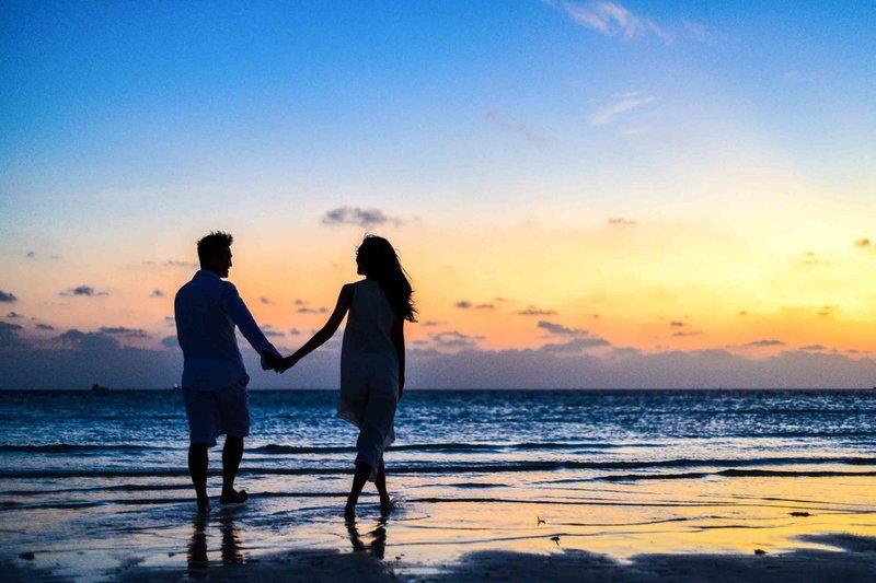 Seminyak, Bali | Couple beach sunset seminyak bali indonesia