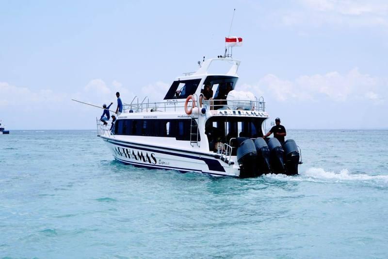 Nusa Lembongan, Bali, Indonesia | fast boat nusa lembongan bali indonesia