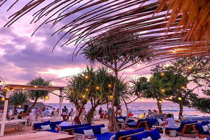 Nusa Lembongan, Bali, Indonesia | sandy beach club
