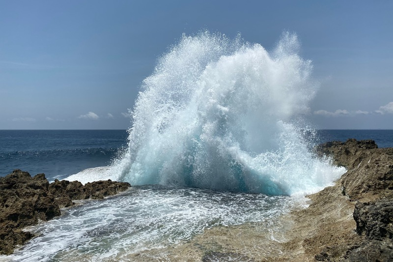 Devil's Tear Rocks Water Splash Nusa Lembongan Bali